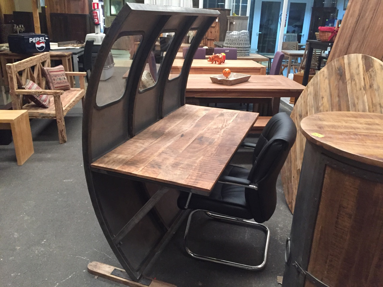 Schreibtisch der superlative flugzeug teakshop llucmajor for Dekoartikel aus holland